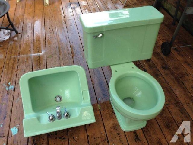 Beautiful Vintage Art Deco Jadeite Green Bathroom Sink