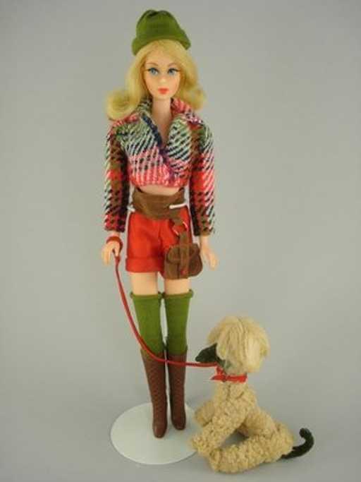 """Vintage 1972 Barbie """"Hot Togs"""" Ensemble #1063"""