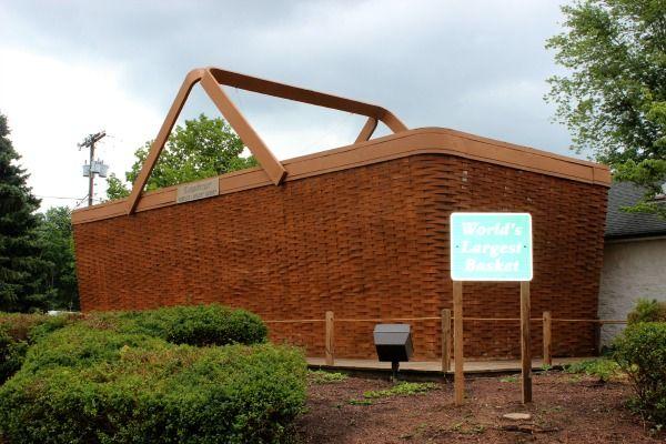 Longaberger Giant Picnic Basket Structure
